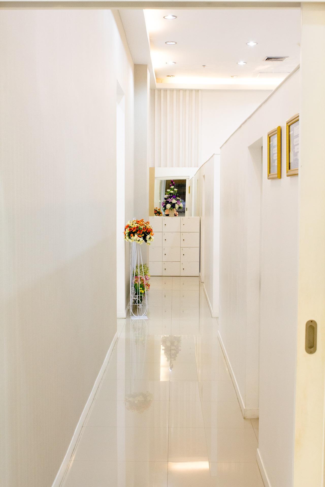 Finition d\'intérieur de maison - Rénovation et Plancher ...